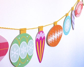 Retro Christmas Bauble Garland