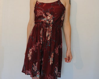 vintage 70s sleeveless maroon floral sun dress