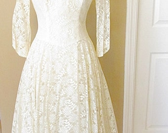 Vintage 1950s Lace Tea Length Wedding Dress/ Alternative Wedding Dress/ Retro Wedding Dress/ Short Wedding Dress