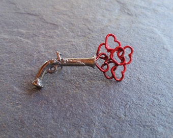 pistol,BANG LOVE, pin,heart, broch, broche, silver,jewelry, broche de plata