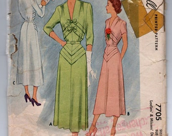 "1940's McCall One-Piece Dress with diagonal bow detailing - Bust 40"" - No. 7705"