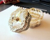 Vintage Silver Plated Mesh Gift Scalloped Gift Box with Metal Rose