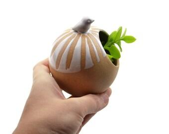 Little round birdie planter - ceramic planter, animal planter - white - made in Brazil