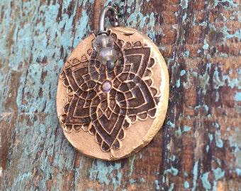 Mandala flower necklace with labradorite stones
