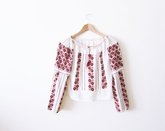 1940s Hungarian Peasant Blouse / Long Sleeve Embroidered Peasant Top / Bohemian Clothing / Hippie Shirt