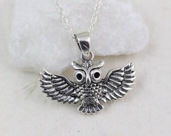 925 Sterling Silver Owl Necklace . Silver Owl. Graduation Gift . Lawyer, Doctors, Nurse, Teacher Gift, Owl Jewellery, choose Italian chain