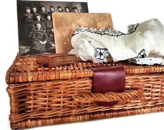 Wicker Suitcase Basket, Vintage Storage Trunk, Wicker Case, Vintage Rustic Home Decor