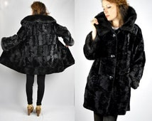 Black VELVET & Faux FUR Collar and Wrists Jacket Coat Vintage Pockets Luxury Coat Princess Coat Chunky Warm Glam Minimalistic S - M
