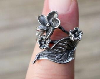 SALE Vintage 925 Sterling Silver Flower and Leaf Ring
