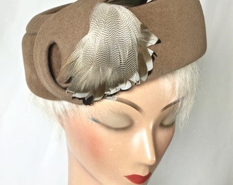 Vintage Brown  Women's Hat, Vintage Pillbox , Hat with Feathers