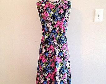 SALE!! Vintage Pink Blue Black Floral Print Summer Day Dress 1970s Size Medium