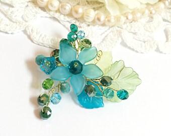Flower brooch, wedding brooch pin, bridal brooch, wedding jewelry brooch, mother of the bride brooch, crystal brooch, wedding brooches