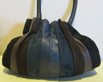 Splendid leather Lupo shoulder bag; suède leather and leather, Barcelona, Model Abanico,with coin purse; VG condition!!