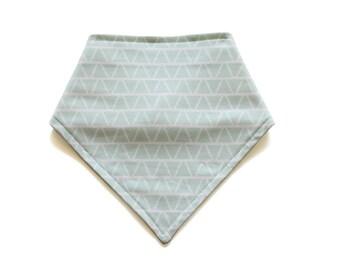 Organic Bandana Bib || Triangles Mint || Ouba Exclusive