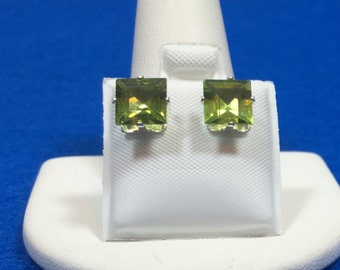 Peridot Princess Cut sterling silver earing studs 7 mm square