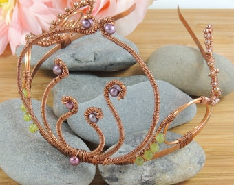 Elvish - GOT Styled Tiara with Peridot and Pearls
