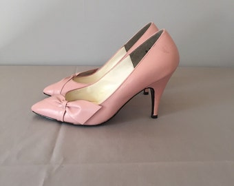 SALE...cotton candy pink bow pumps | 80s bow leather heels