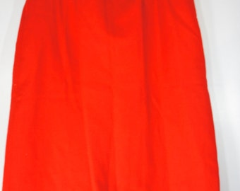 Vintage Pendleton 100% Virgin Wool Skirt Red straight skirt fitted size 28 inch waist lined