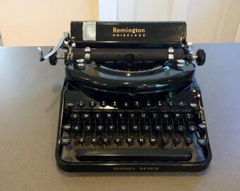 1940 Remington Noiseless No 7 Typewriter w Case, New Ribbon, Nicely Working