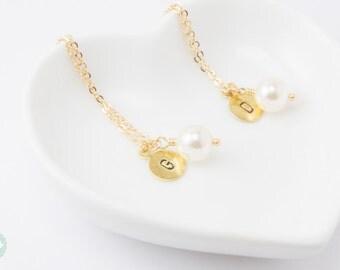 Bridesmaid necklace, Bridesmaid jewelry, bridal jewelry, bridesmaid gift, pearl necklace, initial necklace,Initial pearl necklace.