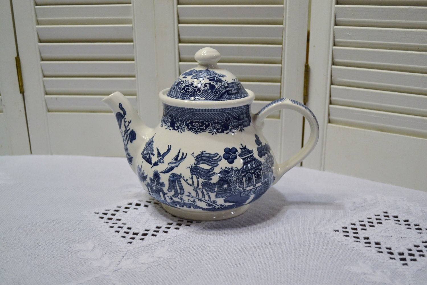 Churchill Blue Willow Teapot With Lid Blue And White Asian