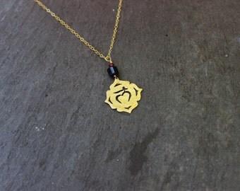 Root Chakra Necklace / Raw Crystal jewelry / Black Tourmaline / Garnet / Muladhara Base chakra