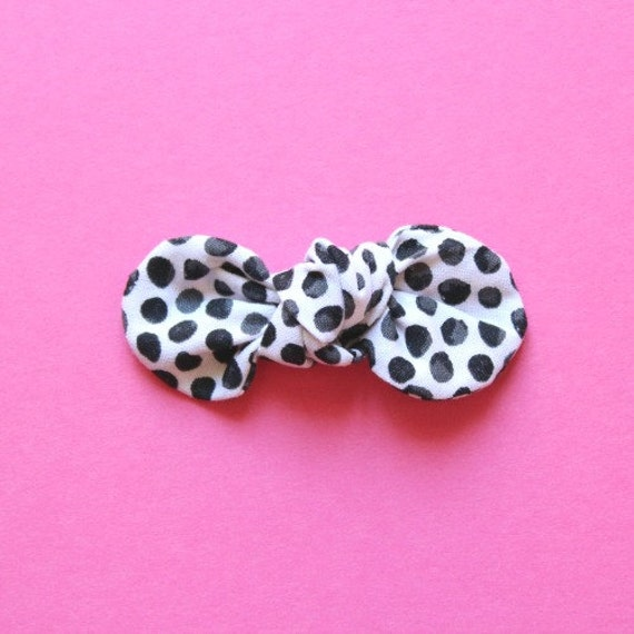 Modern Black and White Dot Simple Baby Hair Clip Bow : Essential Fabric Bow. Simple Bow on Nylon Elastic Infant and Toddlers Girls Headband