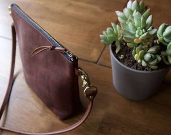 The Peru - Zipper Pouch Purse with Interior Pocket in Rustic Red Kodiak Leather