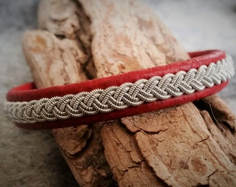 Red Sami bracelet, Tenntrådsarmband, Swedish craft, Leather bracelet, Scandinavian craft