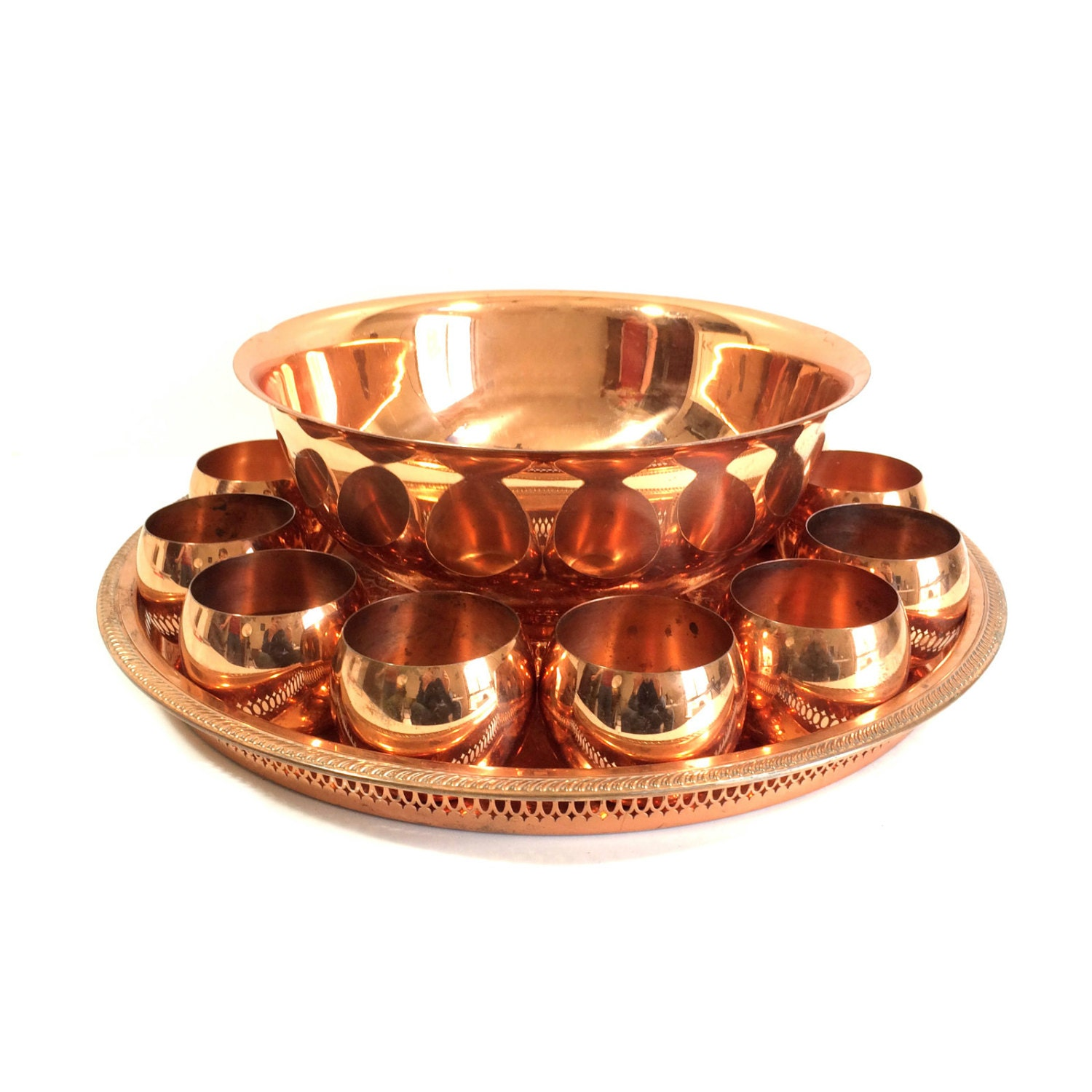 vintage copper punch bowl set with 12 roly poly cups and. Black Bedroom Furniture Sets. Home Design Ideas