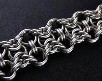 Chainmaille Surgical Steel Bracelet - Hourglass