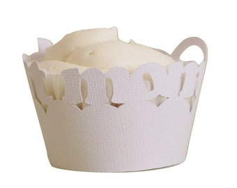 White Best-mom Cupcake Wrappers, Set of 12, Mother's Day, White Texture, Cupcake Decor, Handcrafted Party Decor, Party Supplies