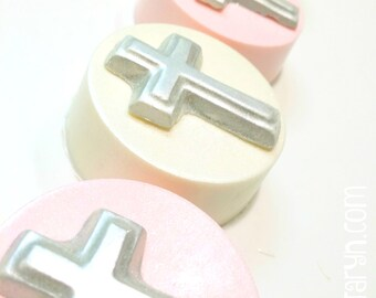 Christening oreos. Christening favors. Baptism treats. Christening treats. Cross favors. Chocolate covered oreos. Chocolate treats. Pink