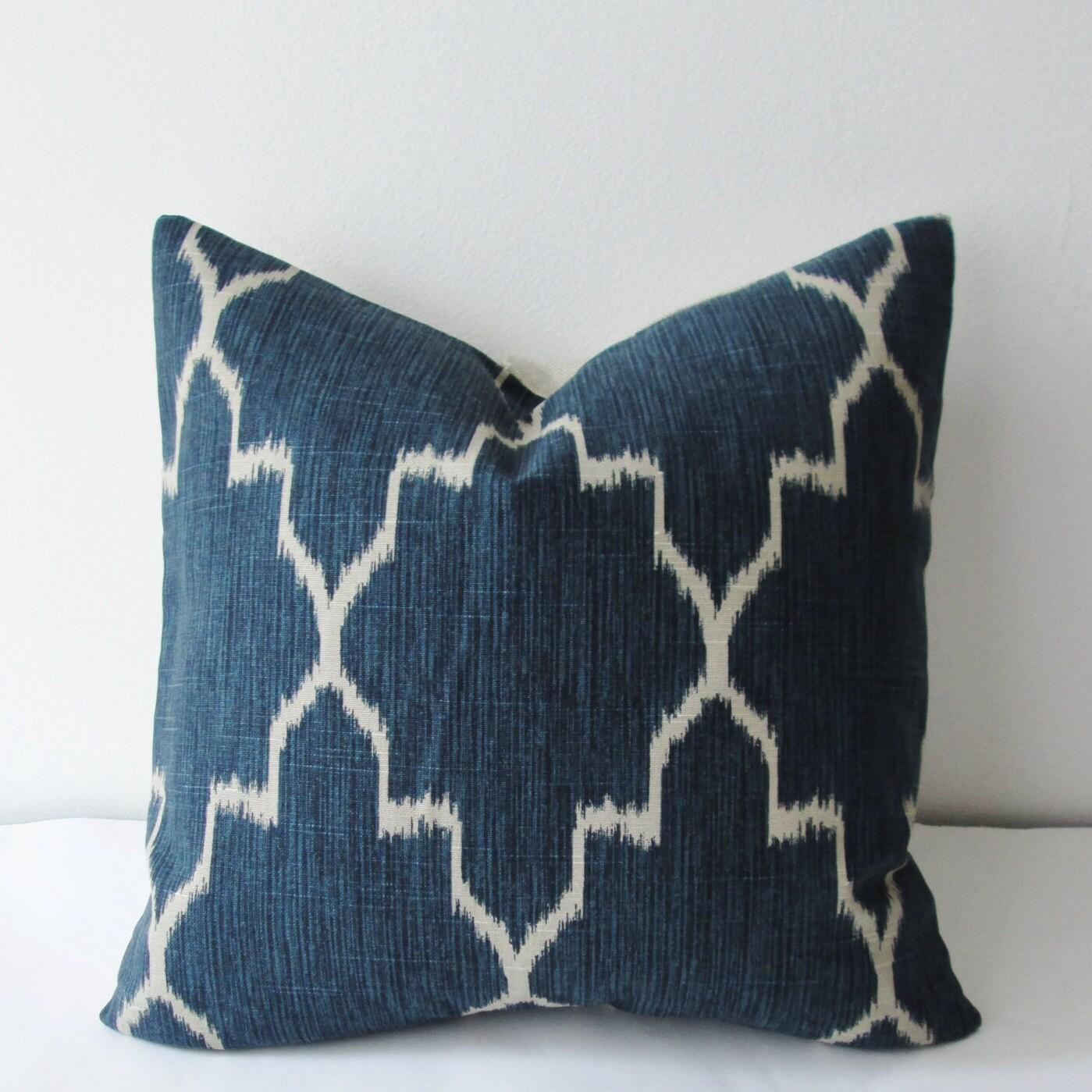 Quatrefoil Decorative Pillow : Moroccan Ikat Pillow Cover // Navy Quatrefoil Decorative