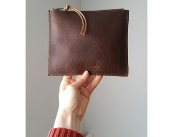 Flat Pouch - Henna Brown Leather