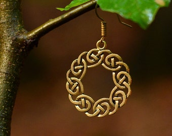 Earrings with open work Celtic knot - [07 OR 4 Kranz/G1 A-4]