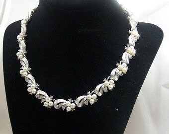 Vintage 1950's - 1960's Retro Brushed Silver, and Silver Tone Necklace with Faux Pearls and Rhinestones