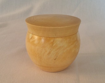 Holly lidded box