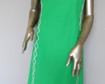 Vintage 1960's Sleeveless Green Dress * Size 12 . JEANNE DURRELL . Excellent Vintage Condition