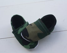 Camo Baby Booties with Black Flannel Lining
