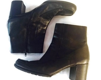 SALE Vintage Black Boots CHELSEA Boots 1990s Chunky heel boots Goth Grunge ankle boots womens size 8