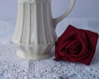 An elegant vintage creamware cream jug/ creamer by Regal.
