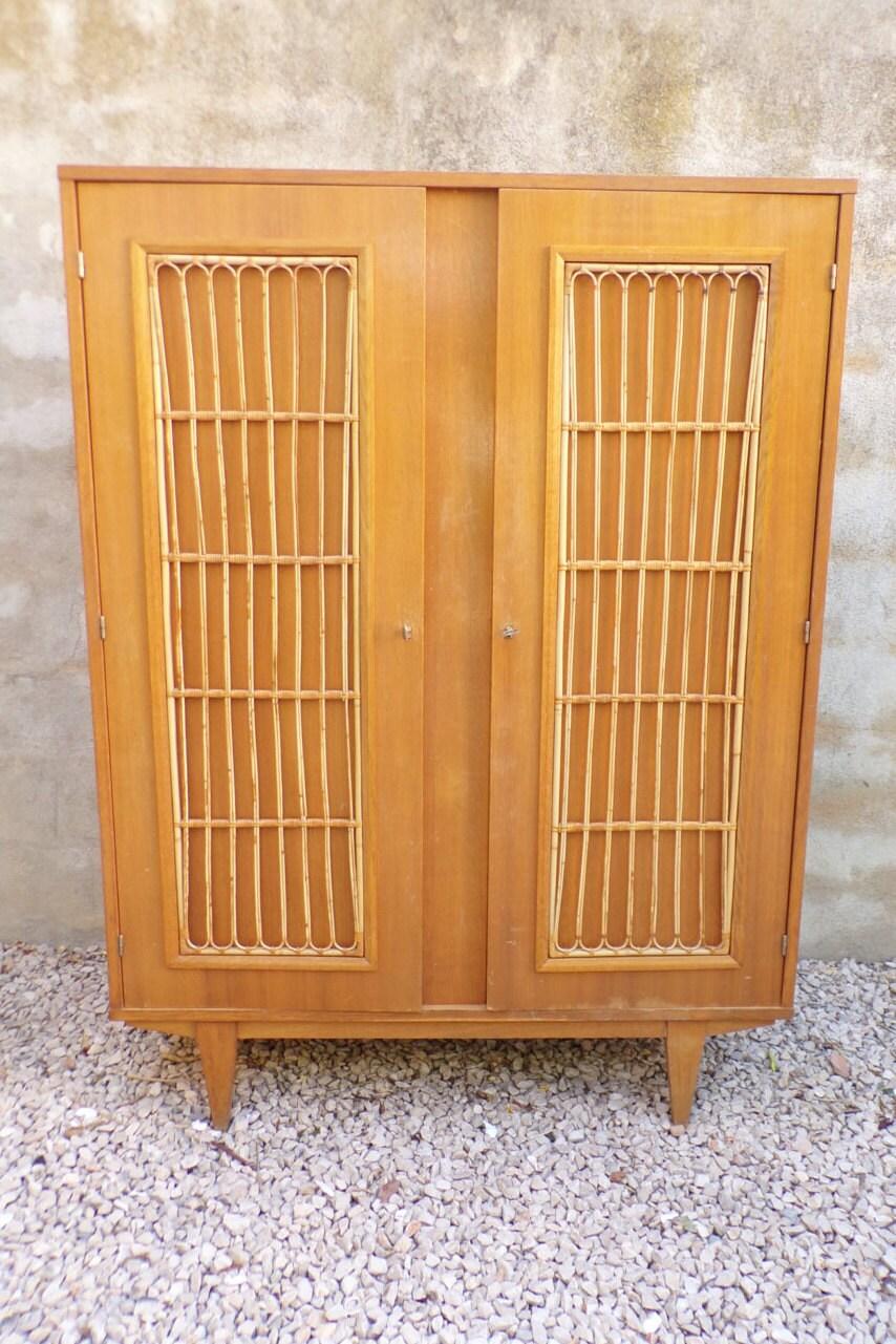 armoire penderie rotin et ch ne vintage 1960. Black Bedroom Furniture Sets. Home Design Ideas