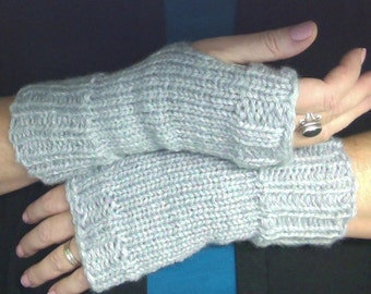 Fingerless gloves, pale grey