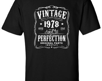 Aged to Perfection 1978 Printed Design Ladies PURPLE Socks 40th Birthday 2018