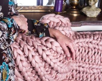 PROMO PRICE Super Chunky Knit Blanket, 30x50, Merino, Merino Wool blanket, Extrem knitting, Chunky blanket, Giant Super Chunky Knit Blanket