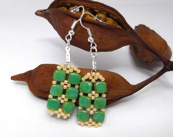 square earrings green pearls of Bohemia
