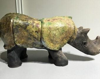 céramic raku Rhinocéros