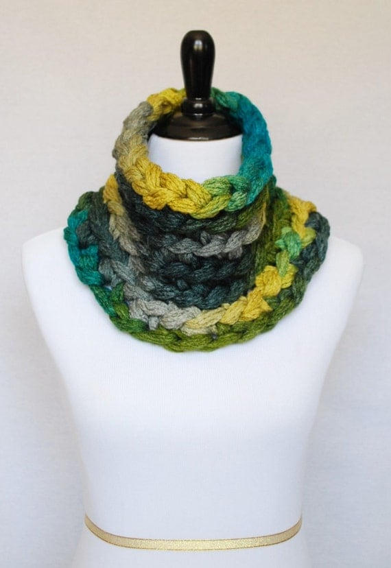 SALE! Green, Blue, Gray, Yellow Crochet Cowl, Super Chunky Neck Warmer, Short Infinity Collar Scarf - Multi Colored