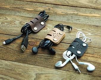 Ensemble de cuir monogramé Set, organisateur de Cable, parfait ensemble de GROS câble bandes, écouteurs organisateurs, porte, meilleur cadeau pour vos amis, Pouch(037)